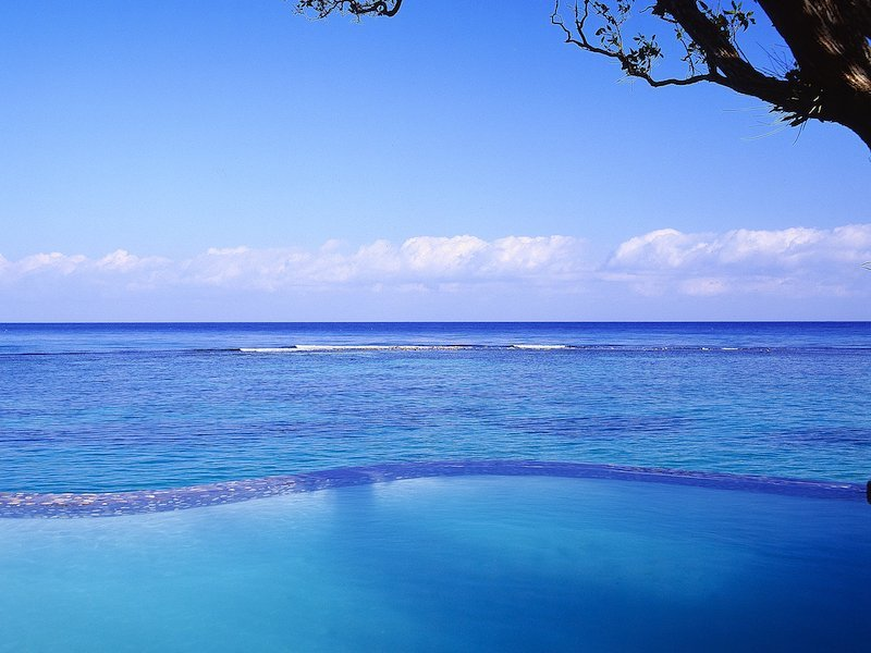 Bild-Jamaica-Inn-9-Cottage-3-Infinity-Pool